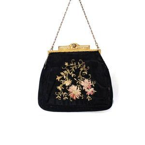 Vintage | Black Floral Clutch Purse